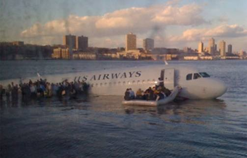 us-airways-river-landing